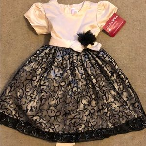 Other - NWT Gold formal dress for girls